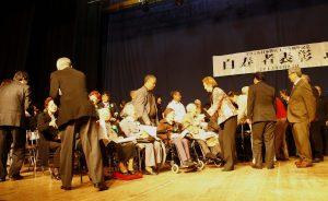 Homenagem aos idosos de 99 anos, pioneiros da imigração