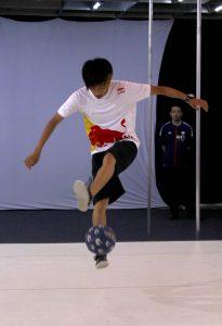 Kotaro Tokuda: campeão mundial de embaixadinhas