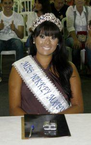 Luciana Kobuti, vencedora de 2012, no corpo de jurados