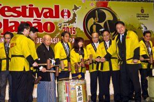 Autoridades nikkeis durante o cerimonial de abertura