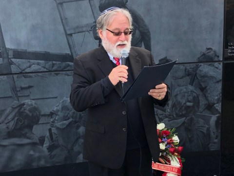 Rabbi Danny Gottlieb delivered the invocation at a Nov. 11 ceremony to commemorate the Korean War. (Courtesy Korean War Memorial Foundation)