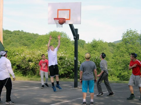 Camp Gan Israel Solano campers playing basketball. (Photo/Rabbi Chaim Zaklos)