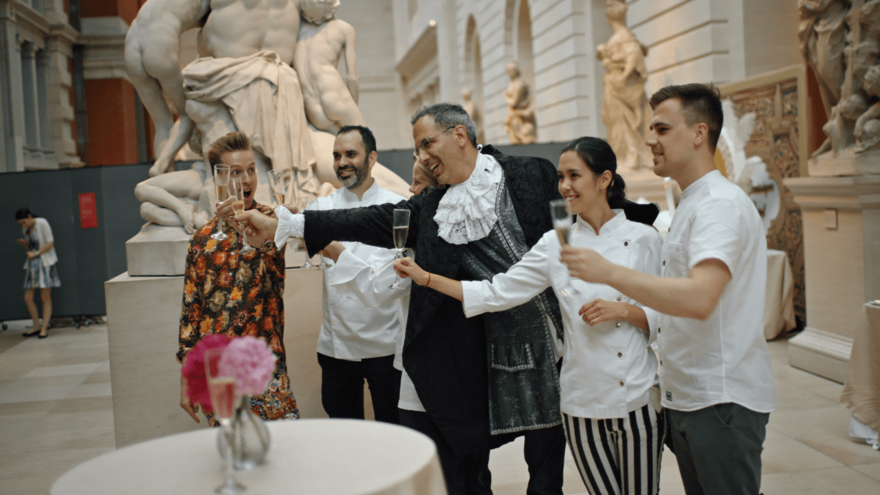 'Cakes of Versailles' is an orgy of baking and a feast for the eyes