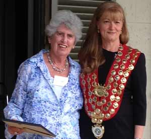 Helene Gonski with Woollahra Council Mayor Toni Zeltzer
