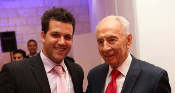 Jarryd-with-President-Peres-picture-by-Chen-Gallili-610
