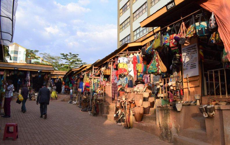 Tour Kampala City buy crafts