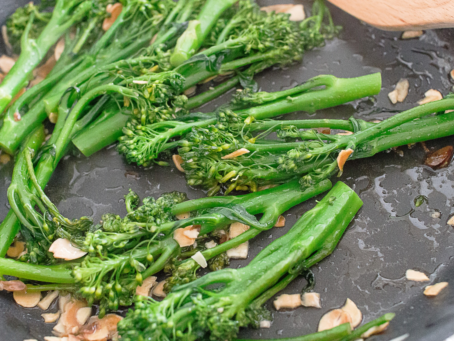 k33kitchen tenderstem broccoli with garlic almond 4