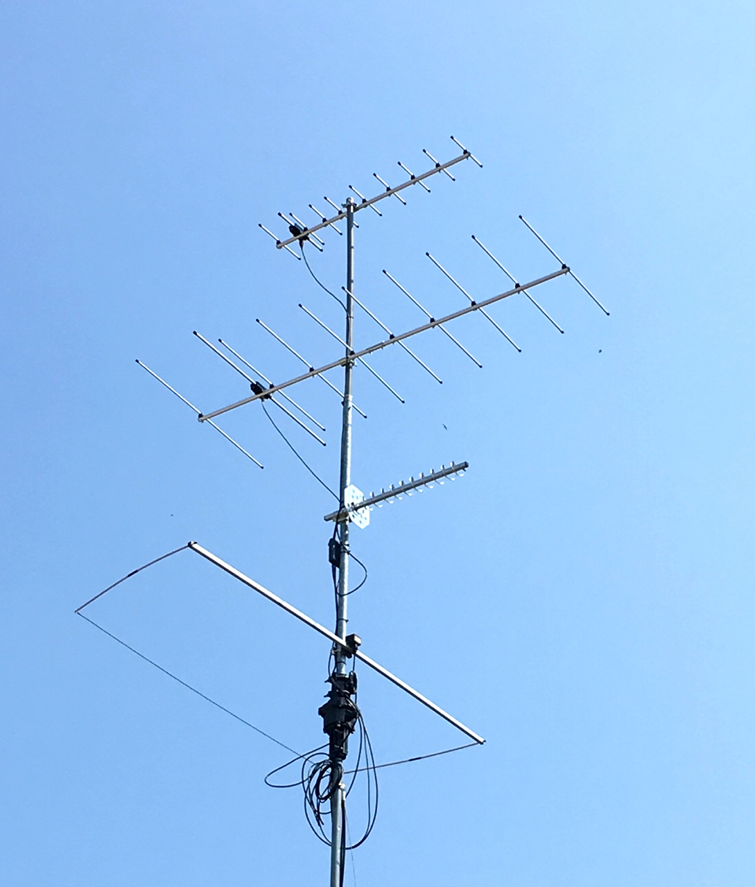 23 Cm Helix Antenna And Preamp K5nd Uhf Preamplifier The Is Wimo That Covers 1250 To 1300 Mhz Its Right Hand Circular Polarization I Figure It Should Work Reasonably Well For Both
