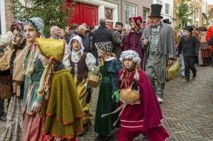 rsz dickens festijn 2015 foto 1 foto pr naamsvermelding gerard dubois 300x199 - TOP 10 BEST DUTCH CHRISTMAS MARKETS IN THE NETHERLANDS