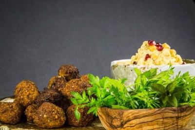 kabanature-dalverny-falafel-houmous-coriandre