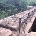 Perbaiki Jembatan Menuju Petilasan Macan Putih