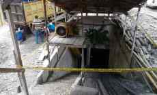Permalink ke 4 Korban Ledakan Diduga Terjebak di 100 Meter Lubang Tambang