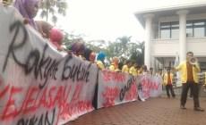 Permalink ke Satu Tahun Jokowi, Mahasiswa Tuntut Jokowi Serius Tangani Asap