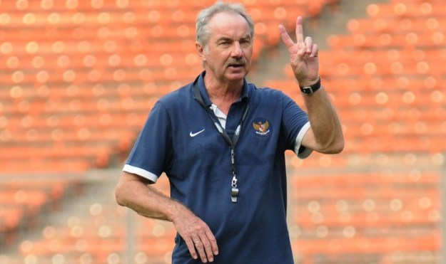 Pelatih Timnas Indonesia Alfred Riedl