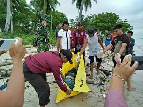 Jenazah Penumpang Kapal di Pulau Buol