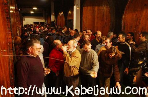 Sagardotegia: cider drinken in een cider huis in San Sebastian, Baskenland