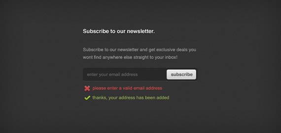 Formulario de acceso para Newsletter, en color gris oscuro con detalles verdes y rojos.
