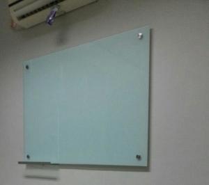 glassboard papan tulis 300x266 - Papan Tulis Kaca