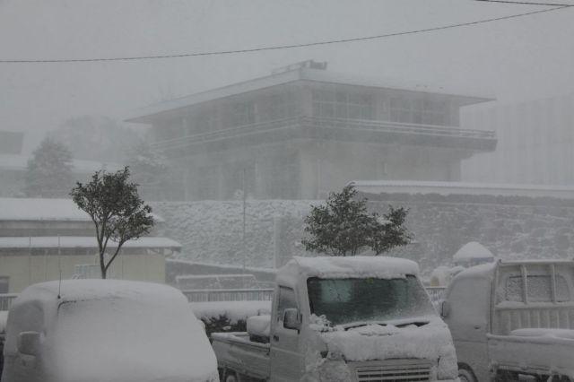2010.3.10雪の万松院 001