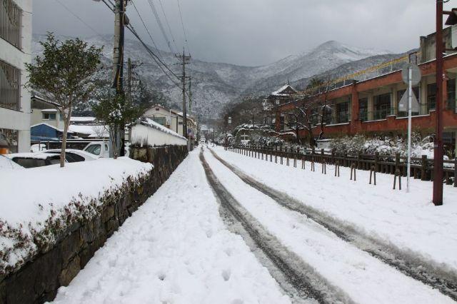 2010.3.10雪の万松院 003