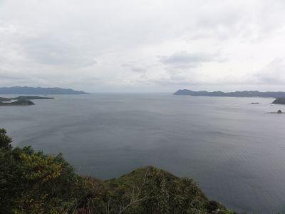 浅茅湾を一望