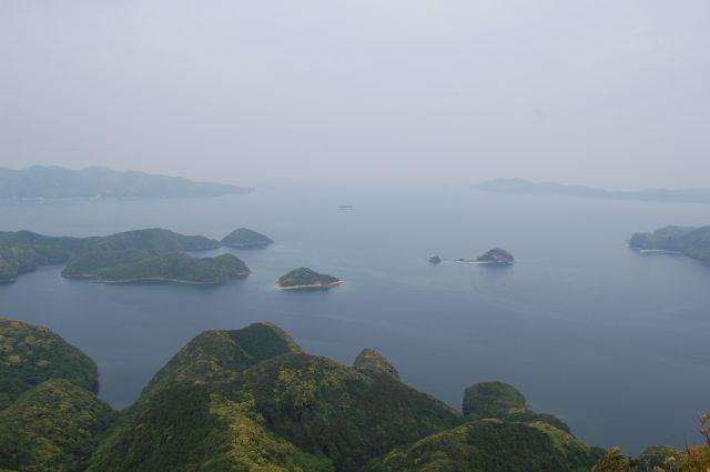山頂から朝鮮半島を望む