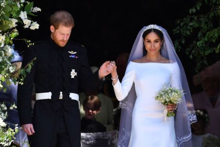 prince-harry-meghan-markle-royal-wedding-cake-1526737200