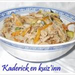 Recette-porc au caramel avec des légumes sautés et des nouilles chinoises