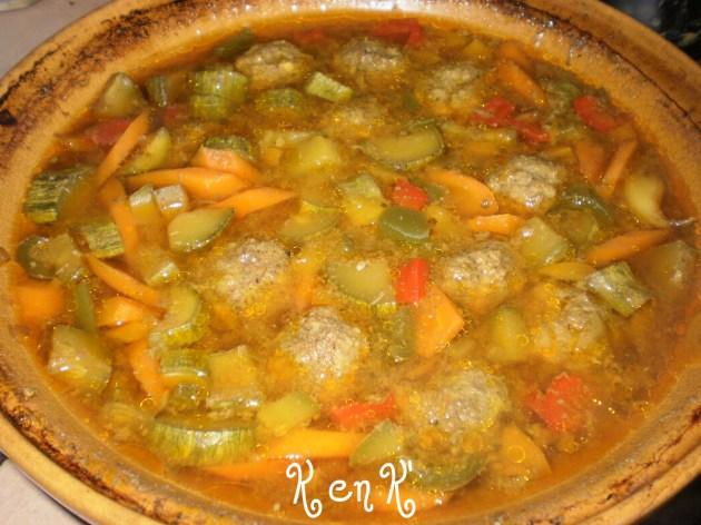 tajine boulettes aux légumes bio et boulettes en bouillon
