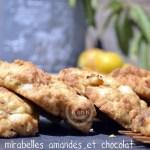 Recette des Cookies aux mirabelles avec des morceaux d'amandes et de chocolat