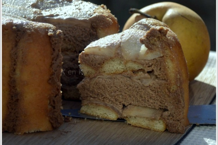 Dessert Bio-charlotte à la mousse de chocolat praliné et aux nashis