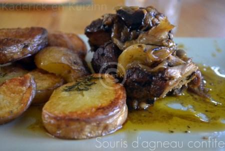 Recette-souris d'agneau confite servi avec des pommes de terre au four