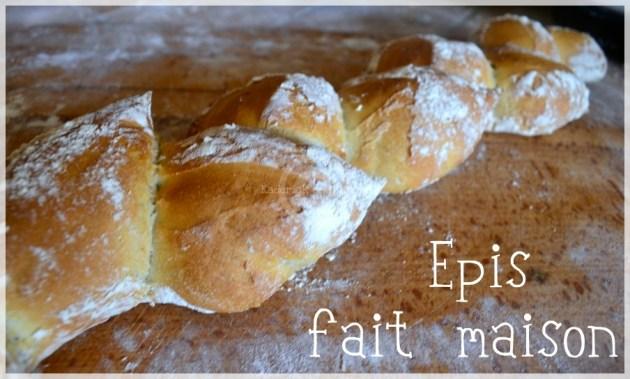 Cuisine bio, baguette epis , du pain fait maison avec de la farine bio
