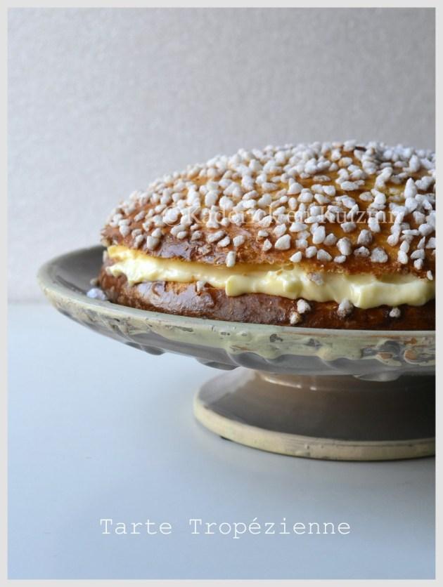 Recette-Tarte Tropézienne sur son plat de présentation-Dessert