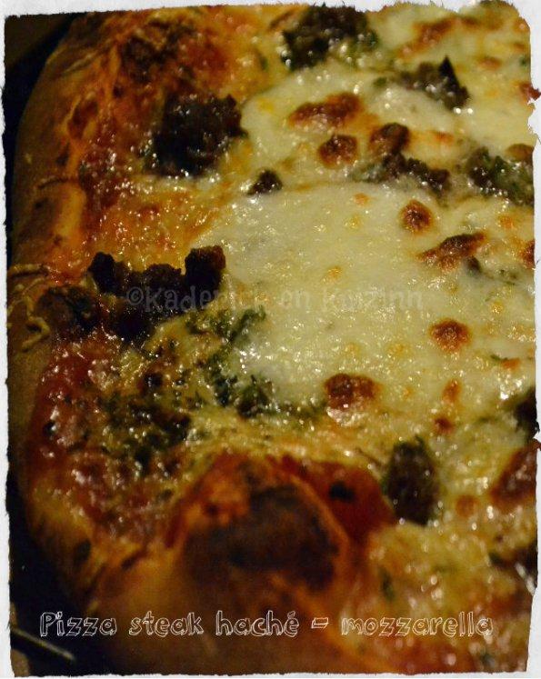 Recette de la pizza maison au steak haché et mozzarella