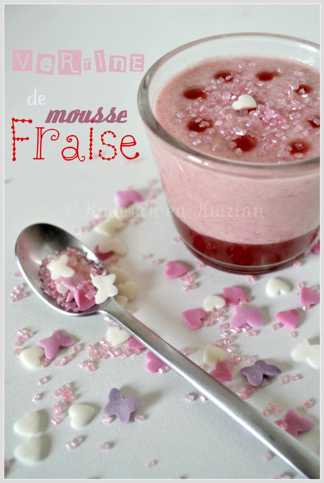 Présentation de la verrine à la mousse de fraise avec de la confiture maison et décoré avec du sucre rose