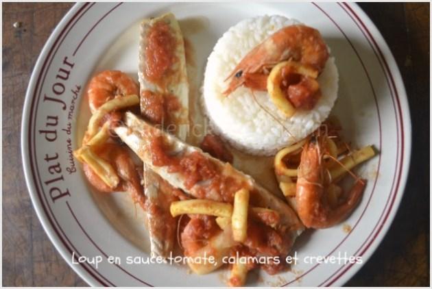 Recette du loup entier en sauce tomate avec des crevettes entières, des calamars en lanières et du riz Camarguais