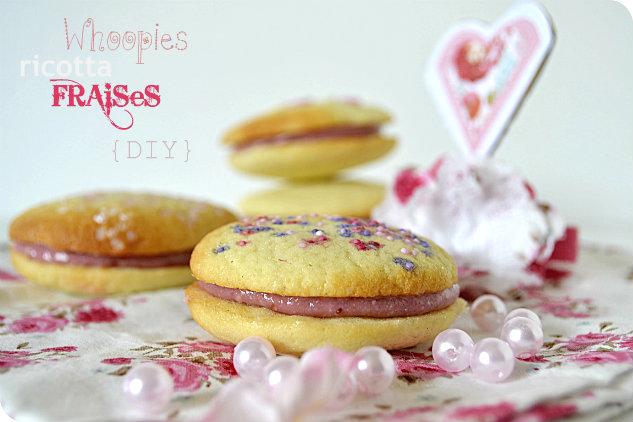 Whoopies recette à la ricotta et aux fraises avec un décor {DIY} en forme de coeur, de triangle et de fleur