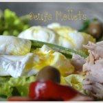 Dégustation salade de pomme de terre aux oeufs mollets, haricots verts, thon, poivrons et olives