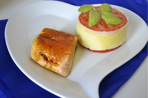 Recette filet de saumon épicé à l'unilatérale à la plancha avec une purée maison avec de la tomate bio