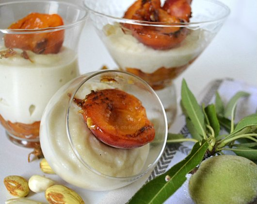 Recette verrines abricots bio rôtis & lait d'amande tiré du livre Solar {Plancha} pour un dessert estival