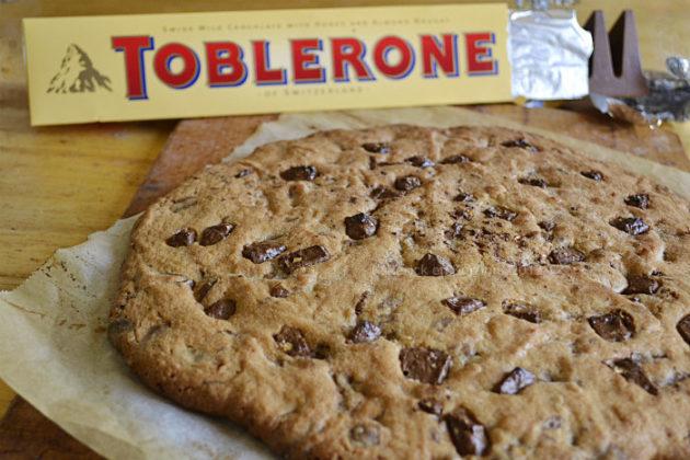 Défi goûter avec la recette du cookie géant au toblerone® pour un dessert ou un goûter trop gourmand - Kaderick en Kuizinn©
