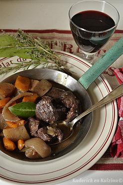 Ingrédients joues de boeuf en bourguignon avec des pommes de terre et carottes bio - Kaderick en Kuizinn©