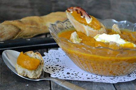 Recette velouté de potimarron aux épices & mascarpone faites avec les restes du tajine d'agneau - Kaderick en Kuizinn©