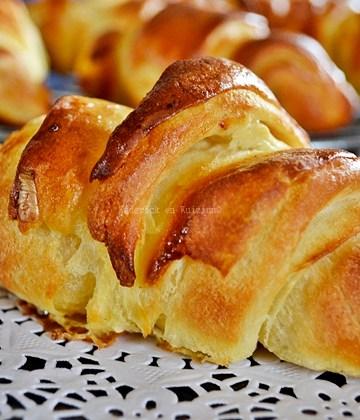 Recette des croissants feuilletée pur beurre avec une recette facile à faire - Kaderick en Kuizinn©