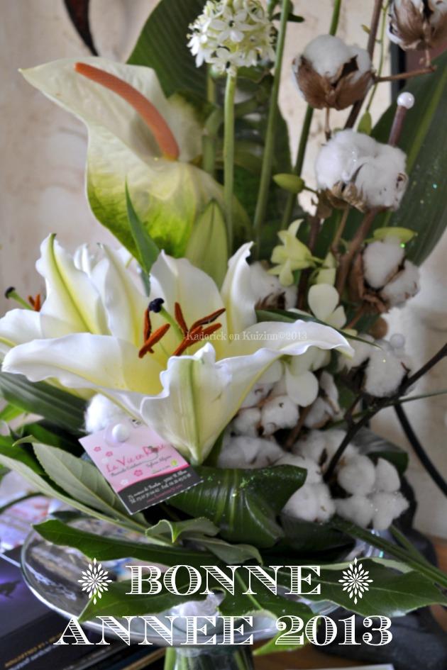 Bonne année 2013 bouquet de fleurs blanches - Kaderick en Kuizinn©2013