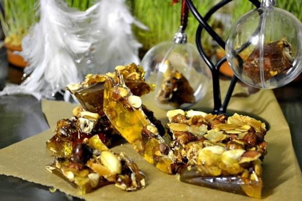 Croquande de Noël, friandises aux amandes, cacahuètes et noisettes - Kaderick en Kuizinn©2012