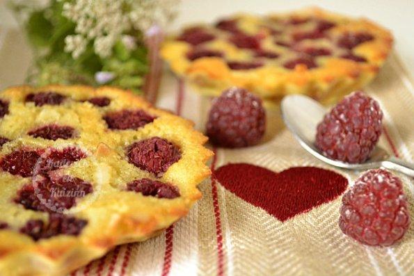 Recette clafoutis aux framboises fraîches et amandes pour un dessert bio et de saison