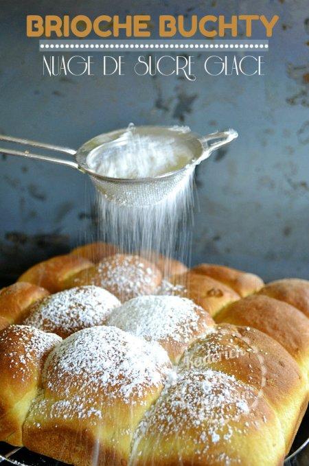 Brioche buchty d'origine allemande saupoudrée de sucre glace faites à la map ou au thermomix
