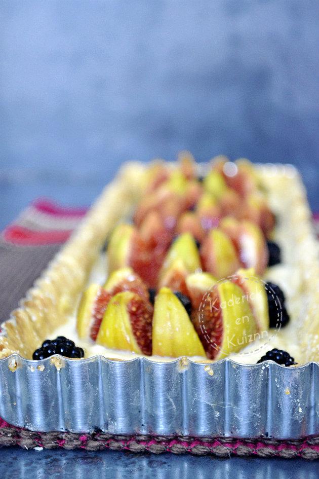 Dégustation tarte sablée aux figues et mûres à la brousse vanille et miel d'acacia